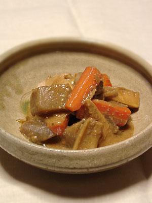 こんにゃくと根菜と竹の子の味噌酒粕煮