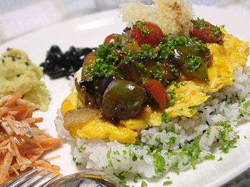 夏野菜もりもり卵のっけご飯ワンプレート